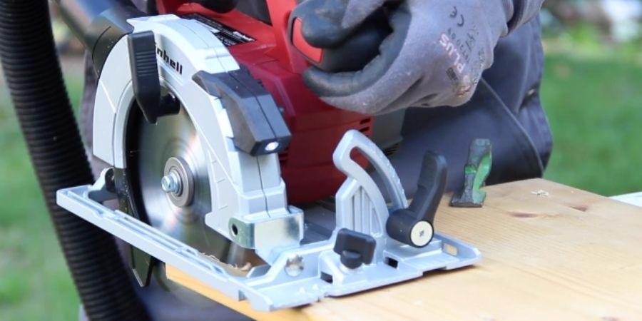 El modelo TE-CS 18 Li Solo Ideal para cortes limpios y precisos