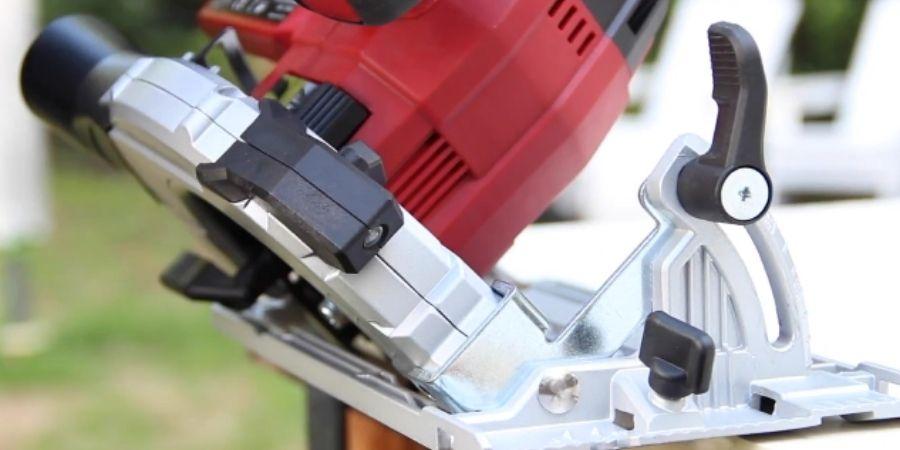 TE-CS 18 Li Solo perfecta para ajuste en el ángulo de profundidad en el corte