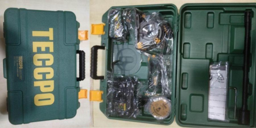 Maletín con los accesorios y la Sierra Circular Teccpo TACS01P que vienen incluidas en la compra.