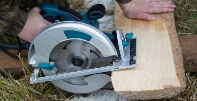 cortadora de madera a mano
