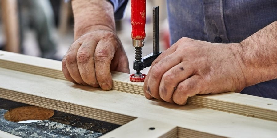 Perforando tablas multilaminadas